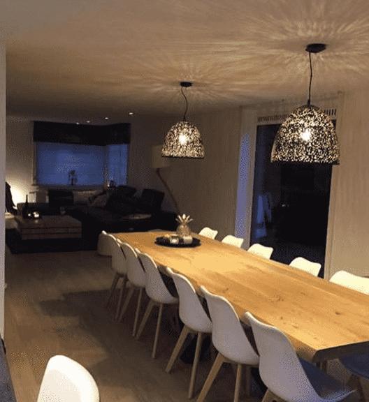 Spanplafond in woonruimte met uitgewerkte koepel